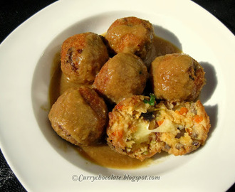 "Vegetarian ""meatballs"" with cheese and onion sauce"