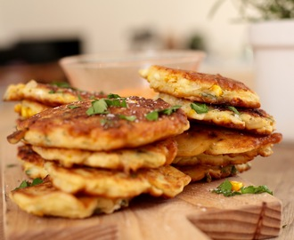 SIMPLE SWEETCORN FRITTERS