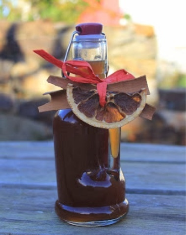 Christmas Pudding Vodka - one of a dozen boozy homemade Christmas gifts