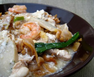 Wat Tan Hor/Kong Foo Chow (Cantonese Fried Flat Noodles in Egg Gravy)