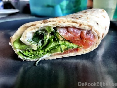 Wraps met zalm, roomkaas en avocado