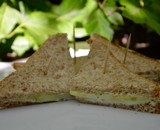 Club sandwiches concombre / fromage ail fines herbes