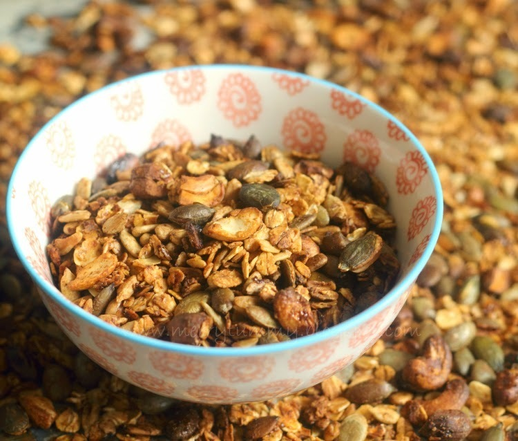 The Healthiest Granola Ever: No Sugar: No Butter: No Apple Sauce
