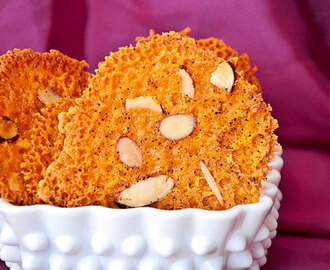Appetizer Recipes – Almond Cheddar Crisps