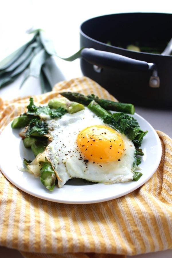 One Pan Asparagus Egg Bake