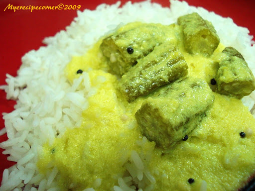 Vendakai More Kulambu/ Kuzhambu( Okra in Curd and Coconut gravy)