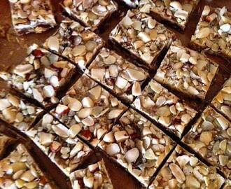 NO BAKE FRUIT AND NUT CHRISTMAS FUDGE