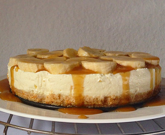 no-bake salted caramel banoffee cheesecake.