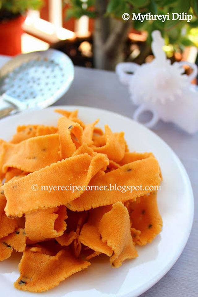 Ribbon Pakoda / Ribbon Murukku - Diwali Snack Recipes