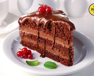 Dark Chocolate Cake with Chocolate Mousse Filling (30-Minute Recipe)