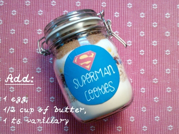 Superman-Cookies im Glas
