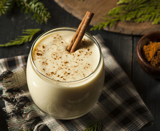 This Healthy Holiday Nog Recipe Is So Decadent You'll Swear It's Gotto Be Naughty