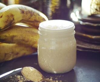 Super Light & Filling Peanut Butter & Banana Smoothie