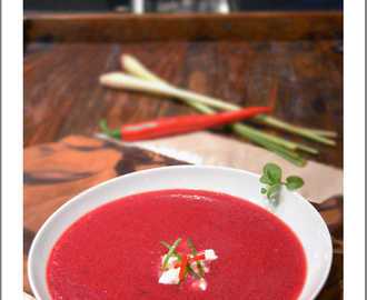 Rote Beete Suppe mit Kokosmilch