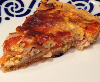 Quiche de bacon, tomate y queso