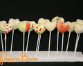 Festive White Chocolate Heart Cake Pops Recipe!