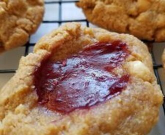 Low-Carb Peanut Butter and Jelly Thumbprint Cookies & Giveaway