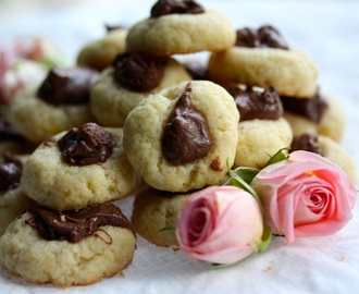 Mini Nutella Thumbprint Cookies – Mini Nutella Kakor