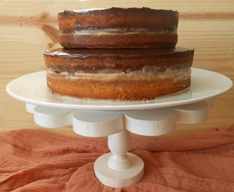 Boston cream naked cake