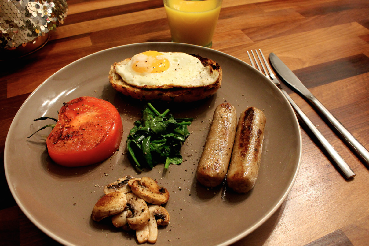 Healthy Meat-Free Cooked Breakfast with Quorn™