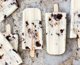 Vanilla Cream Popsicles with Brownie-Toffee Crunch {Gluten Free!}