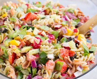 Healthy Rainbow Pasta Salad