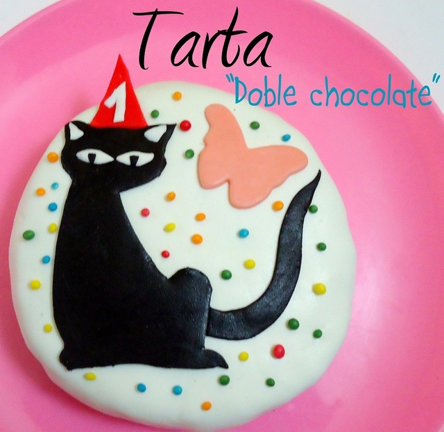 "Tarta ""Doble chocolate"" decorada con fondant"