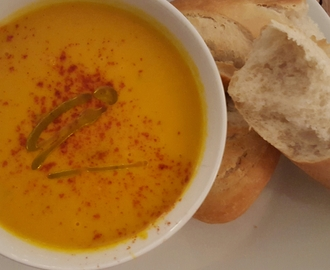 Carrot soup with a twist