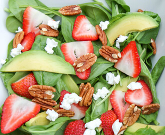 Spinach, Strawberry, Avocado Salad with Goat Cheese & Pecans