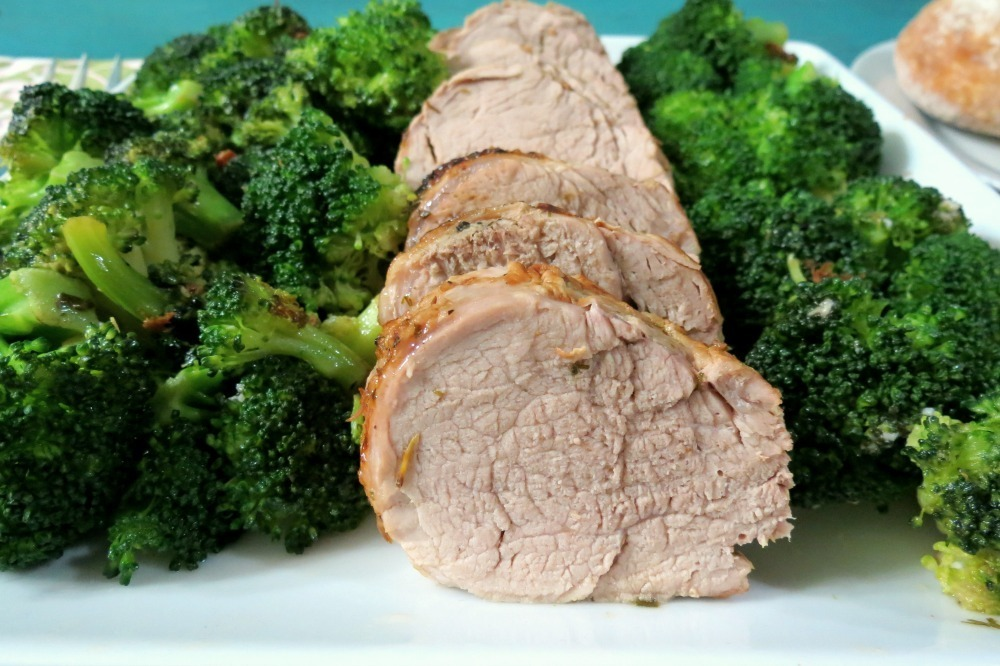 Herb Roasted Pork Tenderloin w/ Steamed Broccoli #SundaySupper  #GGHoliday2013