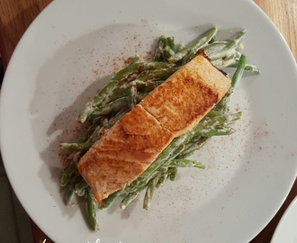 Salmon with creamy green beans