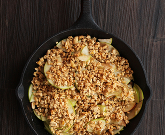 Easy Apple Crisp with Peanut Butter Granola + KIND Granola Giveaway!