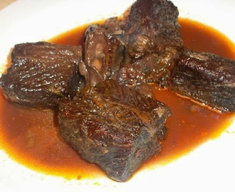 Braised Beef Short Ribs with Red Wine Sauce
