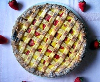 Crostata con marmellata di fragole e crema pasticcera - Strawberries jam and cream patisserie Tarte