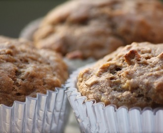 Healthy Whole Wheat Spiced Banana Oat Muffins