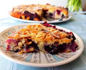Blueberry Cake Recipe with Almonds and Vanilla