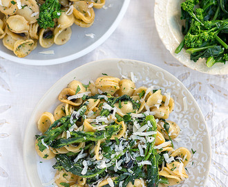 Spring pasta with sprouting broccoli and black garlic and Tefal Ingenio giveaway