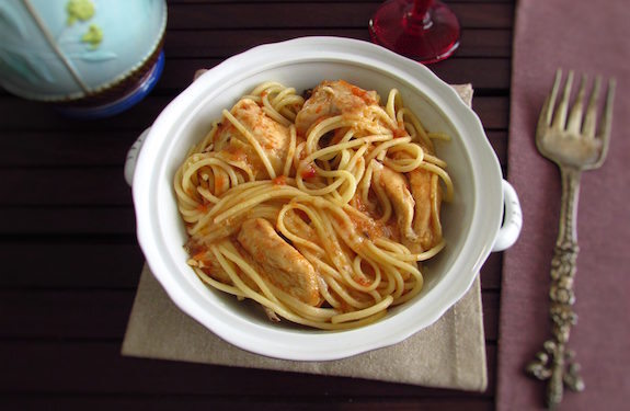Stewed chicken with spaghetti | Food From Portugal