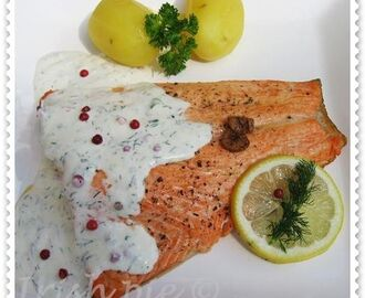 Salmon with pink pepper sauce / Lachs mit rosa Pfeffersauce