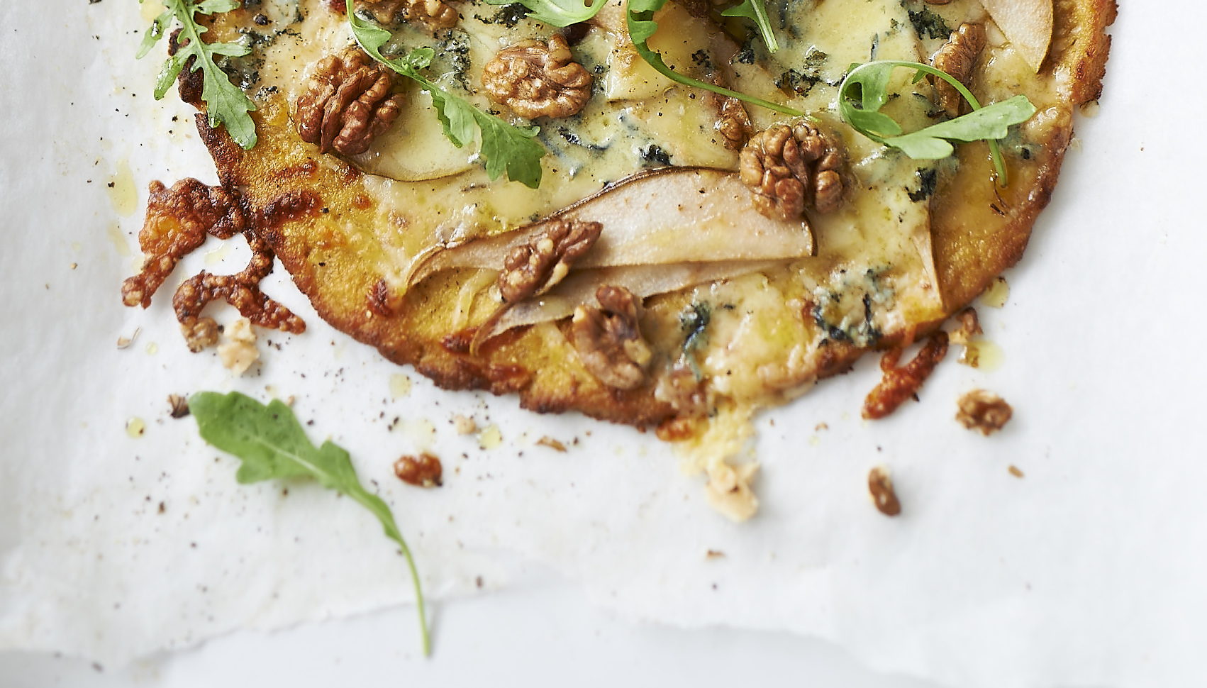 Recipe: Lisa Roukin's Cauliflower Pizza with Blue Cheese, Pear & Walnuts