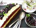 Red Velvet Loaf Cake with Blueberry Compote /  Roter Samt-Kuchen mit Heidelbeerkompott