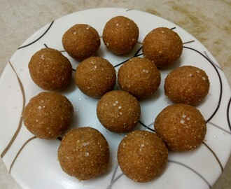 Sweetened rice balls (Ari Unda)