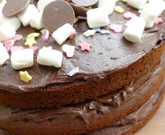 A Very Freefrom Chocolate Cake (gluten-free, dairy-free, nut-free, egg-free, refined sugar-free)!