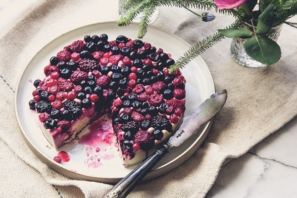 Recipe: squashed berry and white chocolate cheesecake