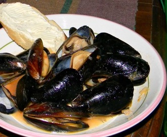 Extreme Budget, Day Twenty-Six - Steamed Mussels