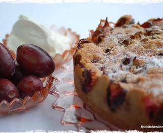 CAKES AND FRUITS - PART I: Plum Torte and Sweet Dough Leaves with Plums