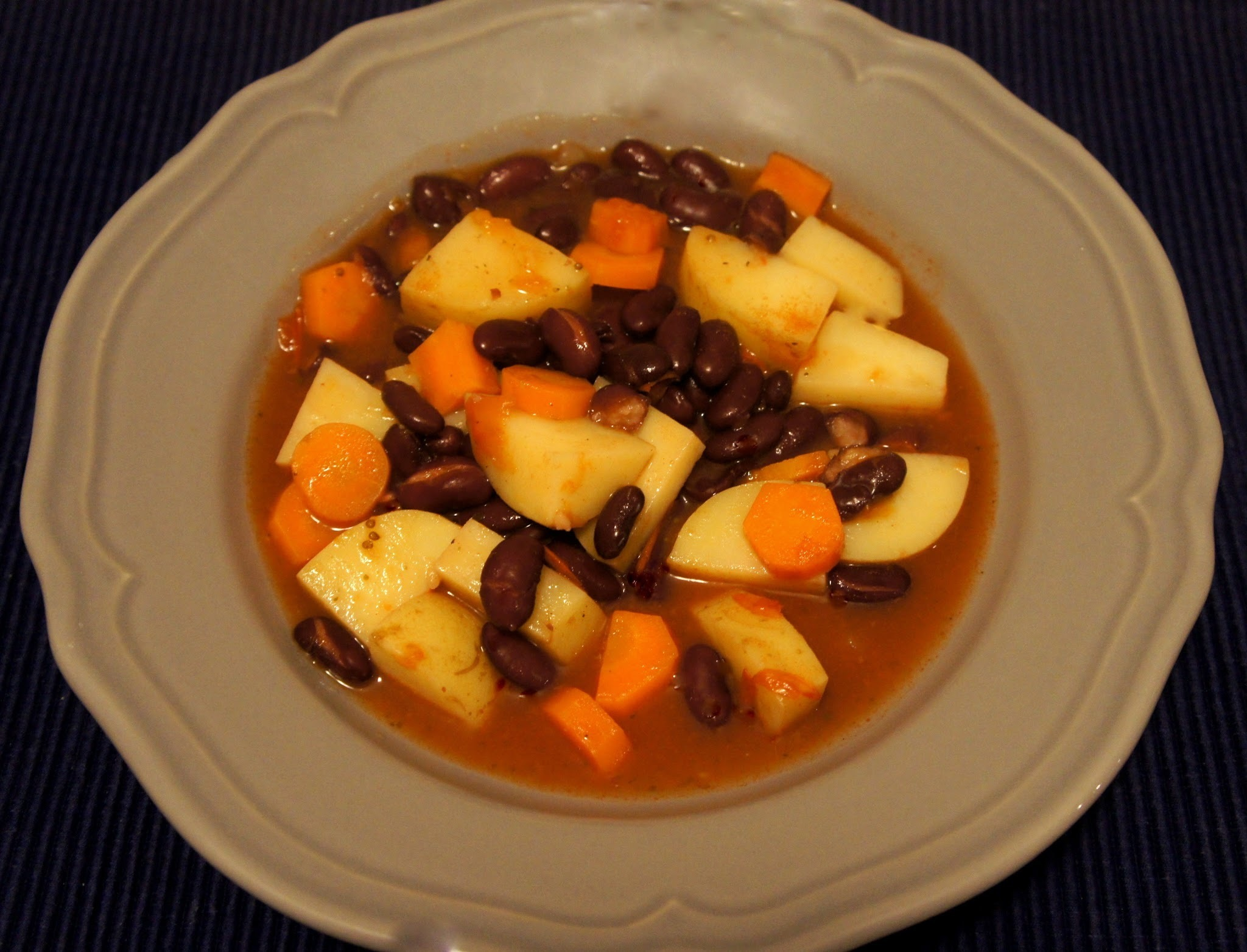 Winter vegetable and kidney bean stew