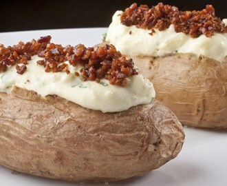Batata Recheada com Cream Cheese e Bacon