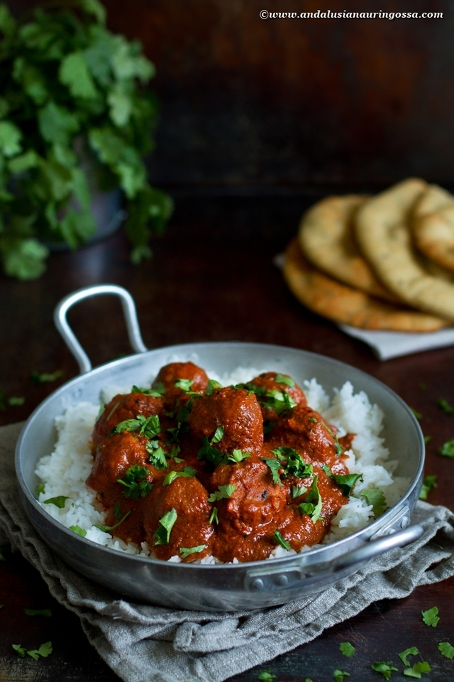 Indian lentil balls in tomato and coconut sauce (vegan, glutenfree, kosher)