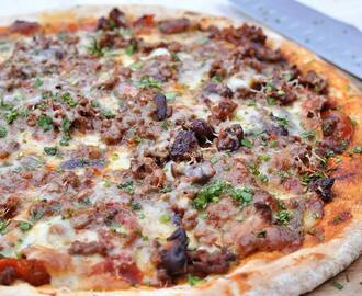 Chilli Con Carne Meat-Feast Pizza
